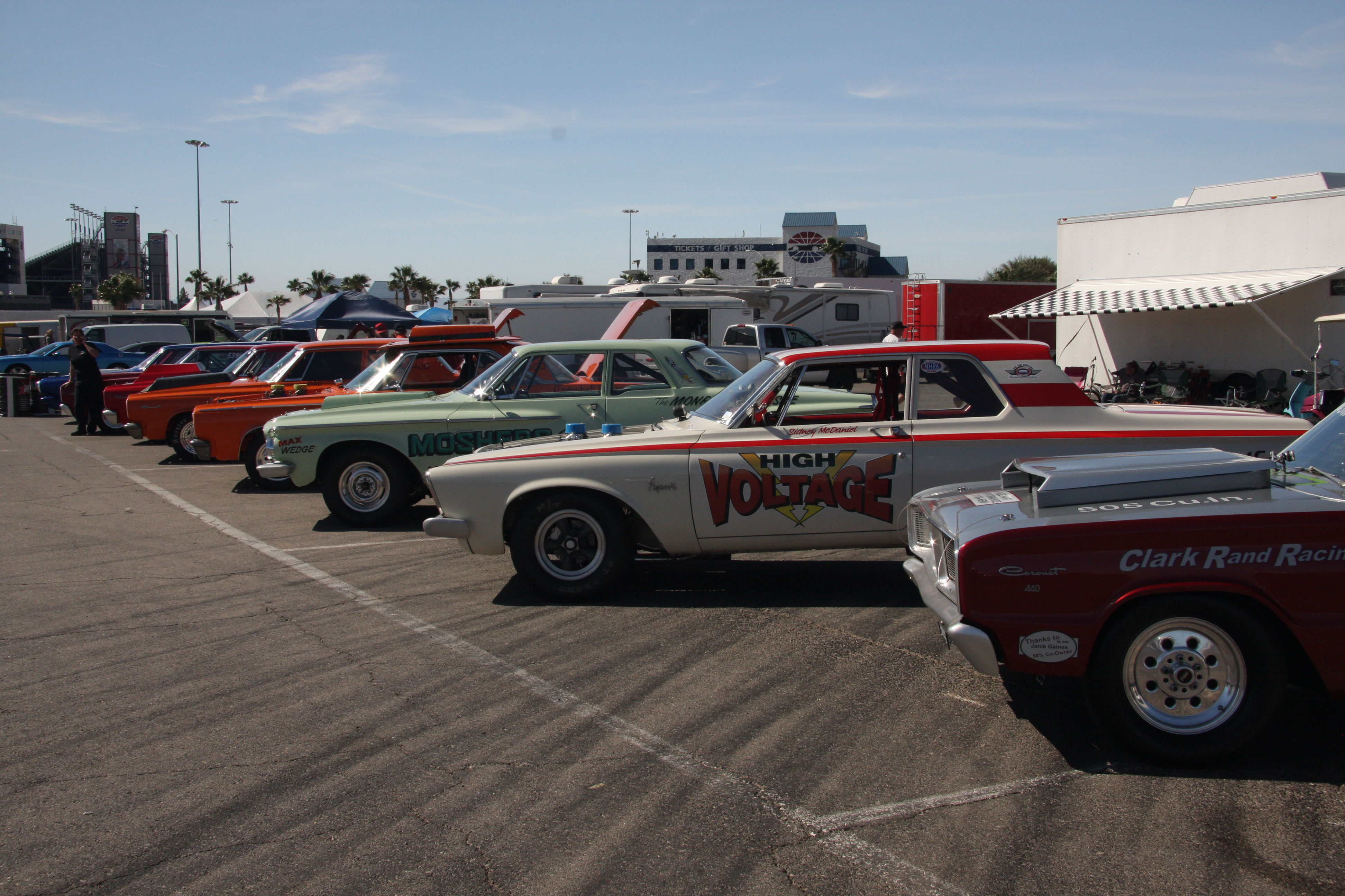 Pictures of las vegas drag strip for Las vegas motor speedway drag strip